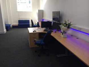 Suitable for 3-5 desks Modern office to rent – with ample storage and free parking
