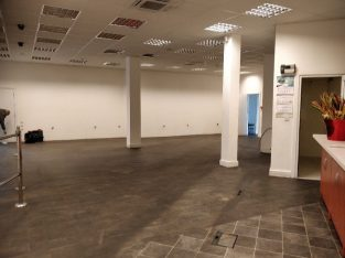 Large triple shop, approx 2950 sq ft