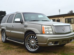 CADILLAC ESCALADE V8 (2004) AUTOMATIC 8 SEATER NAVIGATOR EXPEDITION