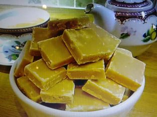 HAND MADE TRADITIONAL SCOTTISH TABLET – smooth, creamy, melts in the mouth.